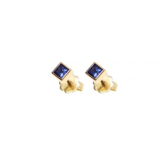 18 karat yellow gold Regalia stud earring Sapphire