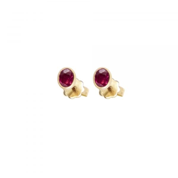 18 karat yellow gold Regalia stud earring Ruby